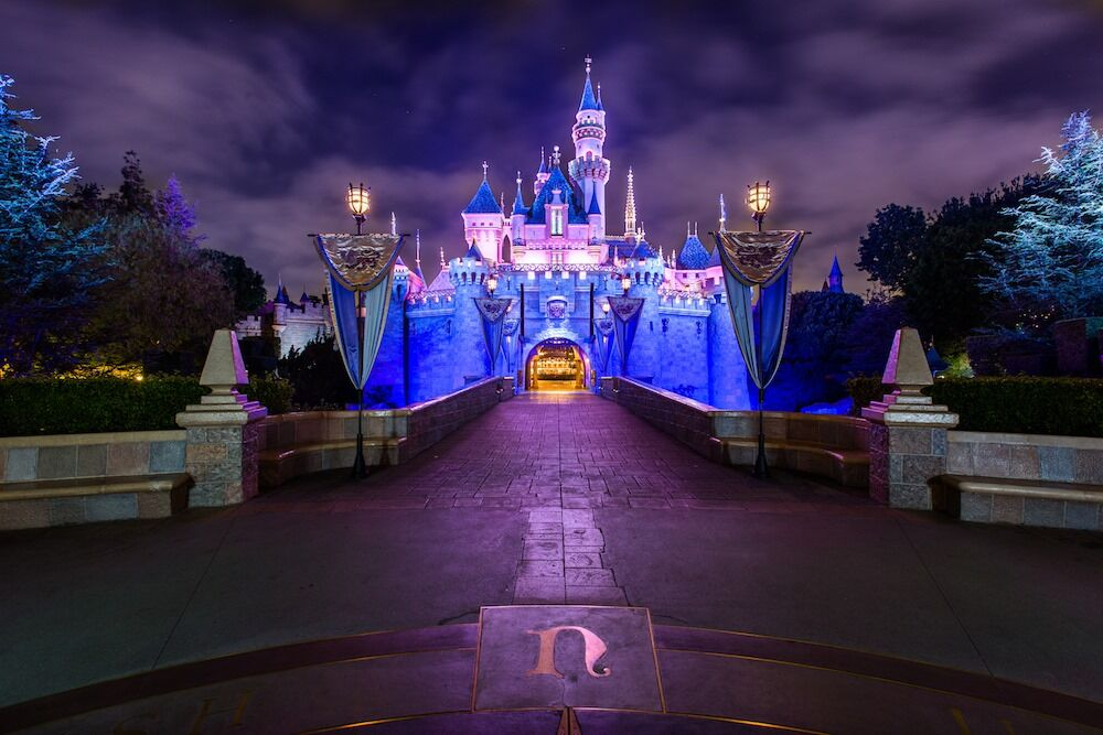 Disney closes temporally While there have been no reported cases of COVID-19 at... Pick and Pack Travel llc